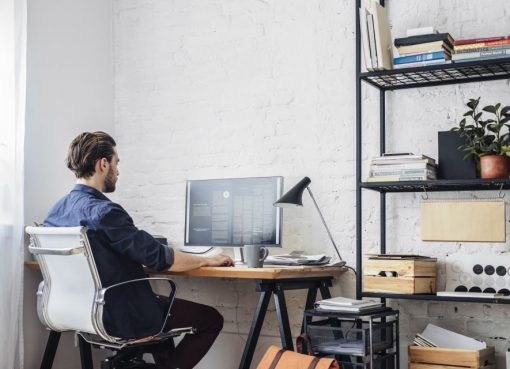 5 Best Accessories and Electronics You Should Have in Your Home office